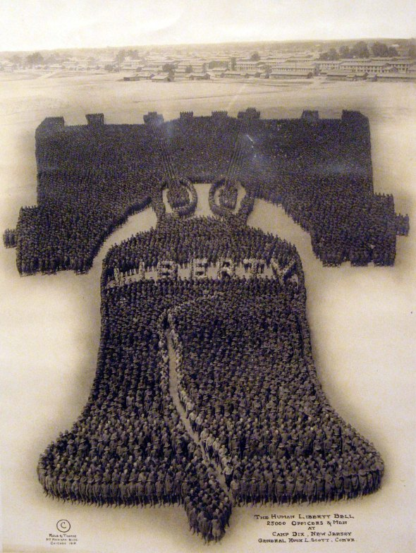 The Human Liberty Bell, 1918