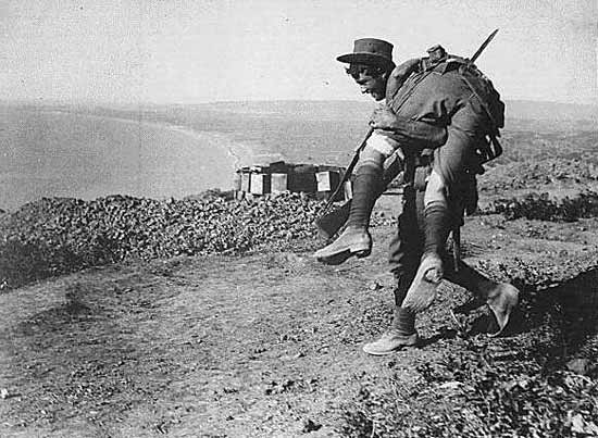 Anzac ANZAC soldier carrying a wounded comrade on Gallipoli