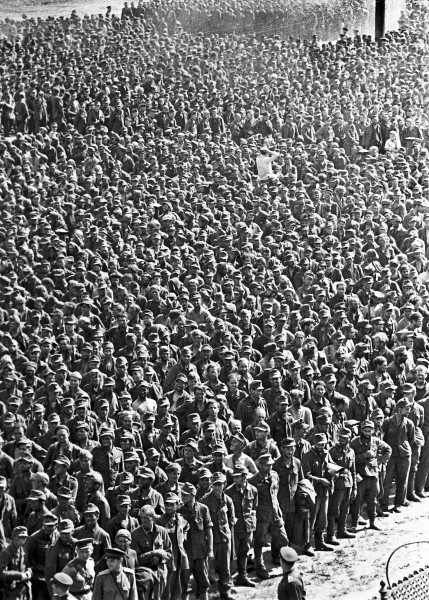 RIAN_archive_129359_German_prisoners-of-war_in_Moscow